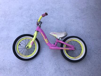 Girls balance bike - flight 3D
