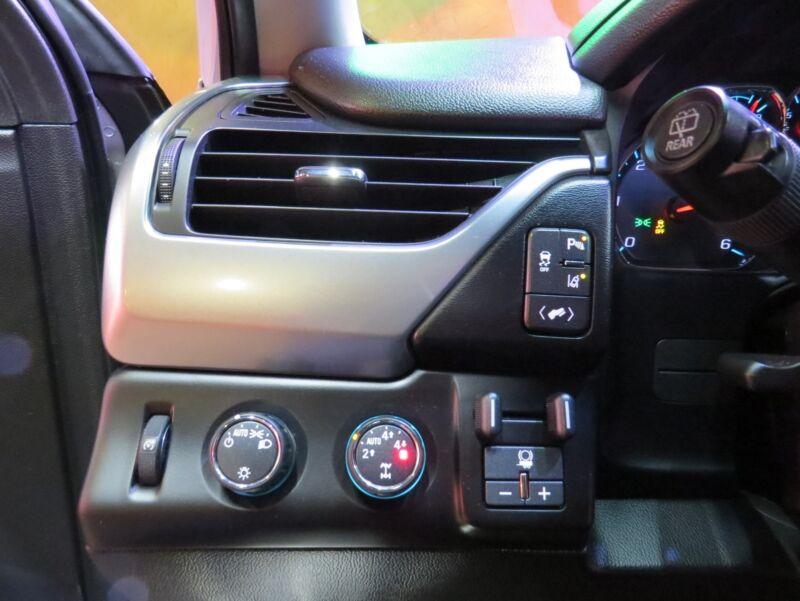 Image 18 Voiture Américaine d'occasion Chevrolet Suburban 2015