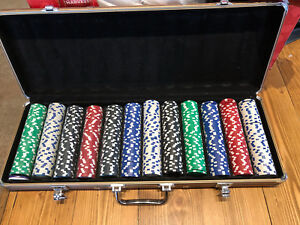 600 Poker chips with case