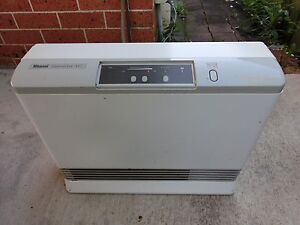 Rinnai Convector 417 Natural Gas Heater Liverpool Liverpool Area Preview