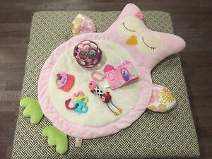 Baby Girl Play Lot!