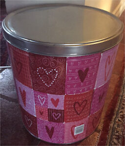Large Heart storage tin