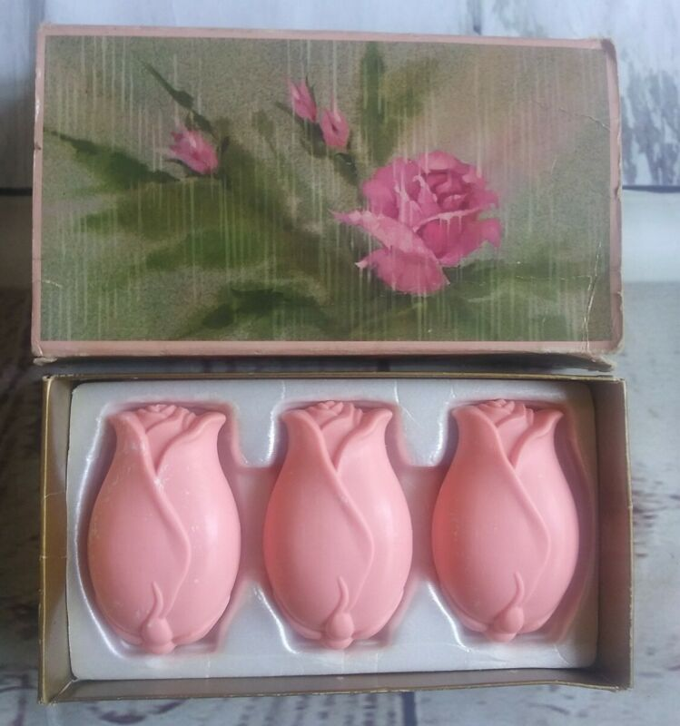 Vintage Avon Touch of Roses 3 Perfumed Soap Bars Still in Box 1970