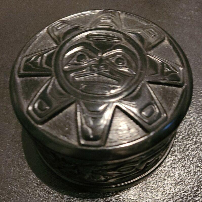 Vintage CAPILANO CANADA Native Black PEARLITE? Carved TRINKET BOX W/LID-EUC!