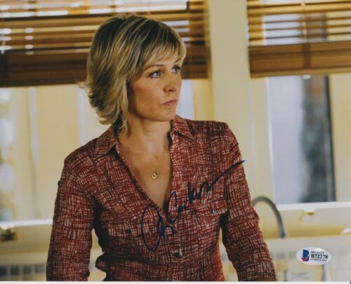 AMY CARLSON SIGNED 8X10 PHOTO BLUE BLOODS BECKETT BAS AUTOGRAPH AUTO A