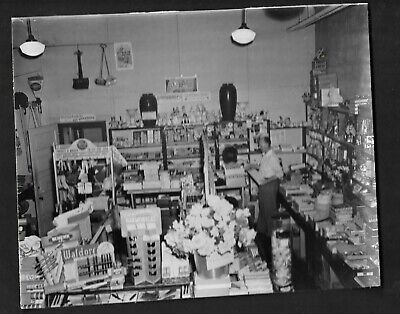 Press Photograph 1948 Berea OH Arden Variety Store, George Uhrig Mgr (Arden Store)