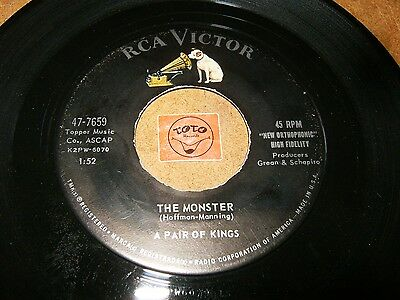 A PAIR OF KINGS - THE MONSTER - ONCE    / LISTEN -  VOCAL GROUP  HALLOWEEN (Halloween Monster Liste)