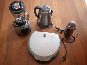 SET: Kettle, blender (glass jug), coffee grinder, grill Rozelle Leichhardt Area Preview