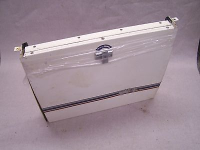 COLEMAN  FLEETWOOD STEP DOOR WITH LOCK / 1989 SUNVALLEY CURVED PANEL