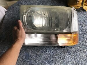 03 F350 Headlights And Side Markers