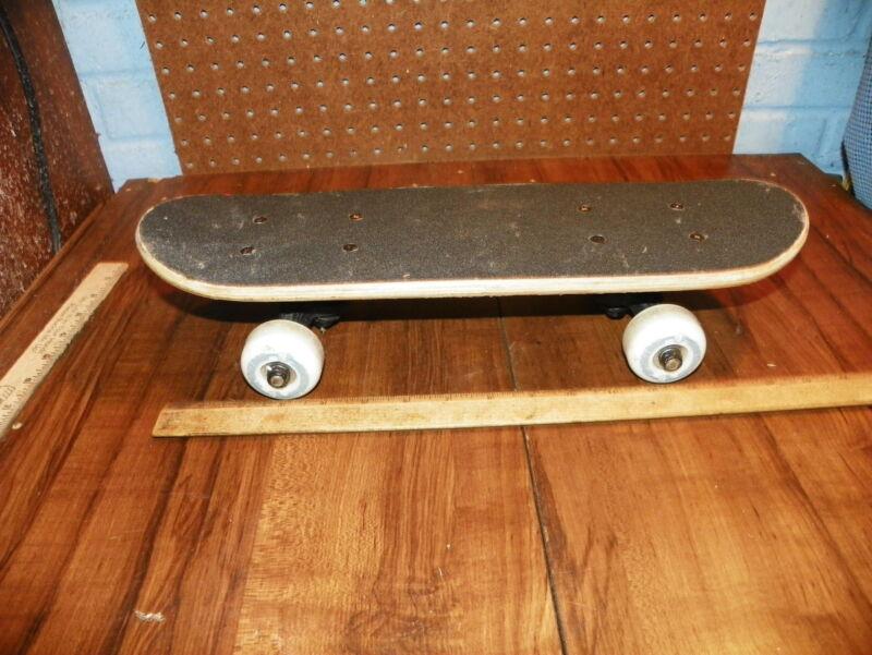Vintage SPONGEBOB SQUAREPANTS Skateboard                                       #