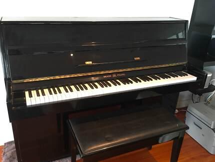 UPRIGHT PALINGS PIANO