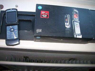 Usado, MOTOROLA RAZR V3,BOX comprar usado  Enviando para Brazil