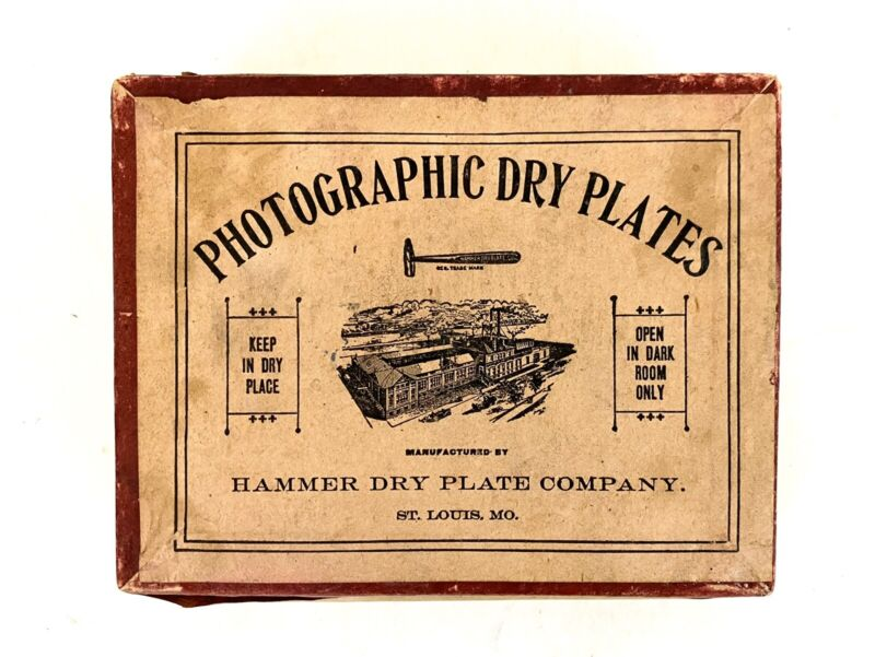 1 DZ VINTAGE UNEXPOSED PHOTOGRAPHIC DRY PLATES, HAMMER DRY PLATE COMPANY