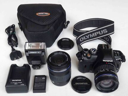 ★ OLYMPUS Digital SLR with 2 Lenses and Flash