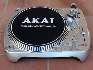 ★ AKAI DJ Turntable with USB Robina Gold Coast South Preview