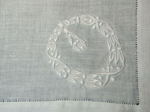 """Antique 12 Embroidered Linen Dinner Napkins Fancy Embroidery Wreath 20"""" Square"""