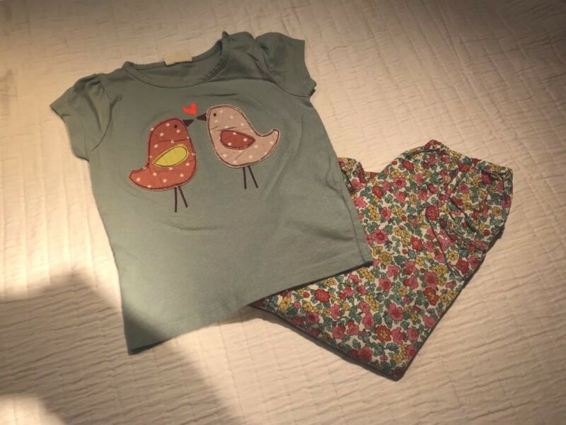 Mini Boden Tshirt And Pants. Size 2-3 Years.