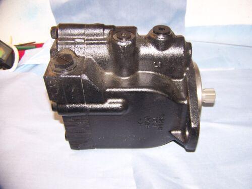 New Sauer Danfoss  L Frame Hydraulic Motor!!