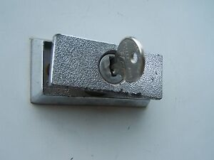 Coleman-Fleetwood-Step-Door-Lock-Key-1101x