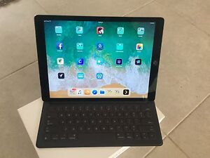 iPad Pro 12.9 inch wifi + cellular 128GB with Smart Cover Joondalup Joondalup Area Preview