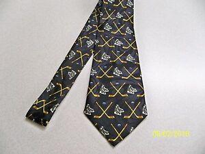 Sports theme, Ice Hockey, puck, stick, skating, NHL quality Men's necktie  *NEW*
