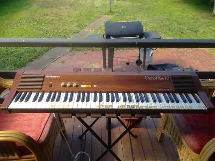 ROLAND PIANO PLUS HP-70 76-KEY VINTAGE RETRO ANALOG ELECTRIC Harris Park Parramatta Area Preview