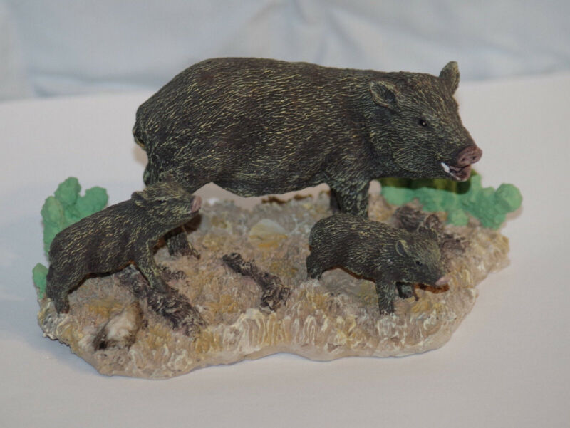 Javelina with Reds (piglets) in the Desert: Figurine