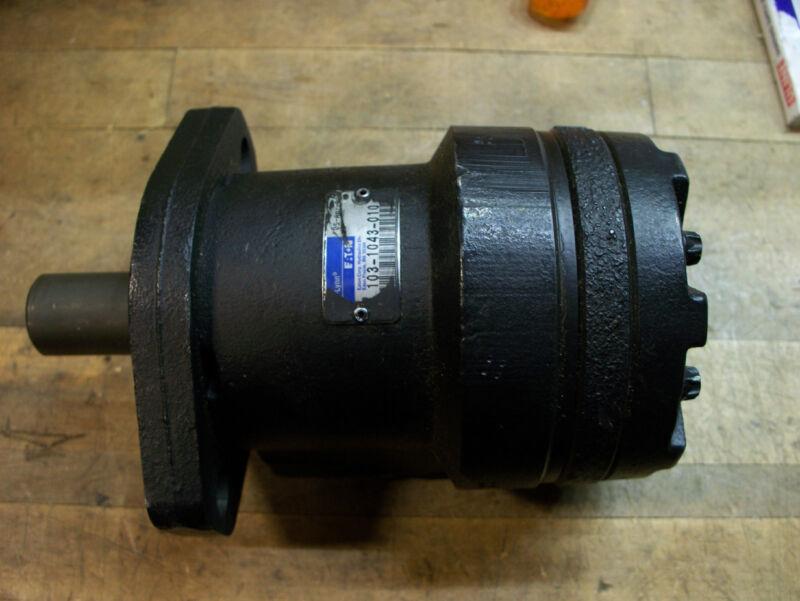 Char Lynn Eaton hydraulic motor 103-1043-010 new military 1 inch shaft 1/4 key