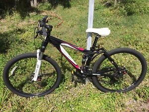 Trek Fuel Ex 5 Rock Shox Fox Full Suspension Aluminum Women S Mountain Bike