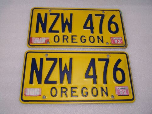 Vintage Oregon License Plates Matching Set Yellow and Blue NZW 476