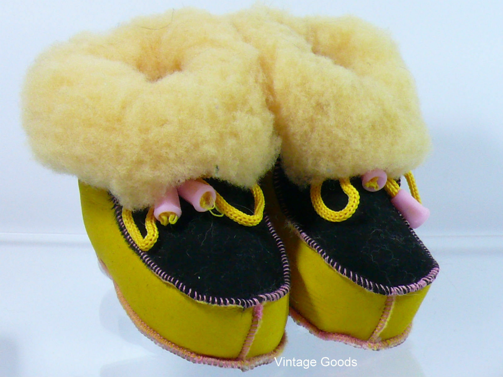 SHEEPSKIN  SLIPPERS/BOOTS FOR BABY 100% GENUINE  LEATHER UNISEX 1