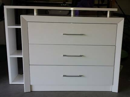 CHEST OF DRAWERS AND MIRROR - MOVING SALE Wollstonecraft North Sydney Area Preview