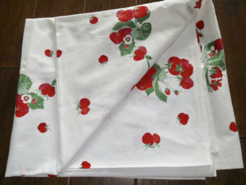 Vintage 1950s Tablecloth Strawberrys California Cotton