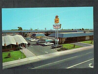 Q203 Chrome Postcard 4x6 Town House Inn Fairfield CA Best Western hotel