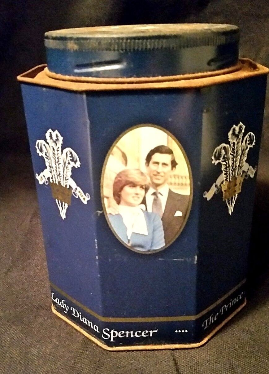 Lady Dianna and Prince Charles 1981 Royal Wedding Gift Pack Tin Commemorative
