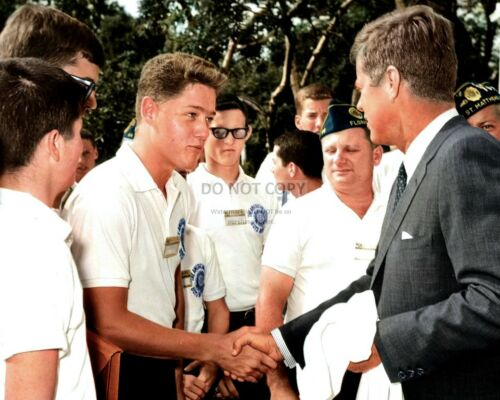PRESIDENT JOHN F. KENNEDY GREETS BILL CLINTON AGE 16 IN 1963 8X10 PHOTO (EP-875)