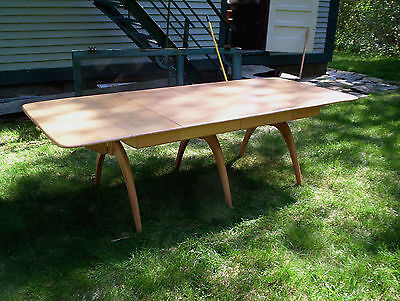 Heywood Wakefield M197G Dining Table  Four 556A Chairs