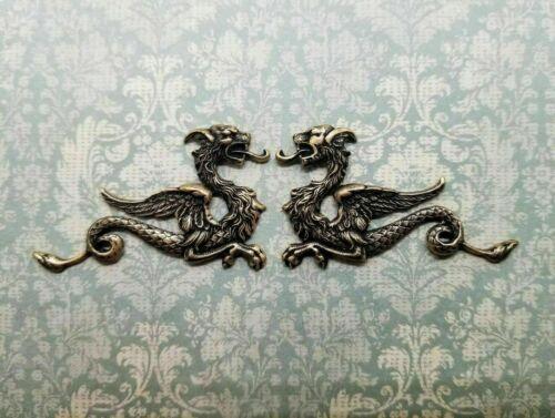 Brass Dragon Stampings x 2 - 8486-8487FFA