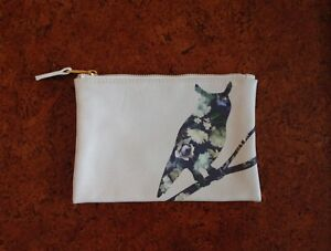 Zip-up owl pouch