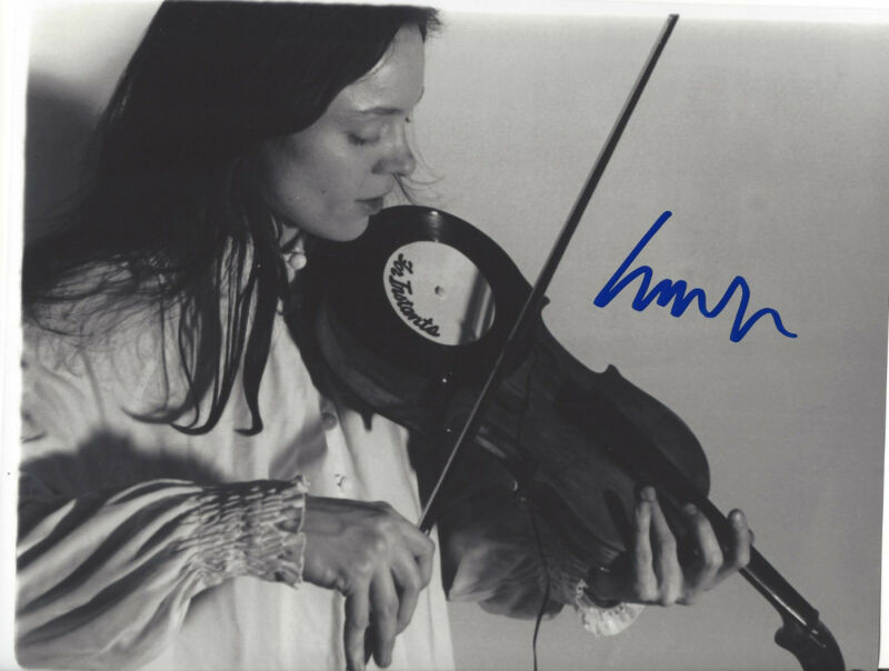 LAURIE ANDERSON SIGNED AUTHENTIC 8X10 PHOTO w/COA LOU REED HEART OF A DOG SINGER
