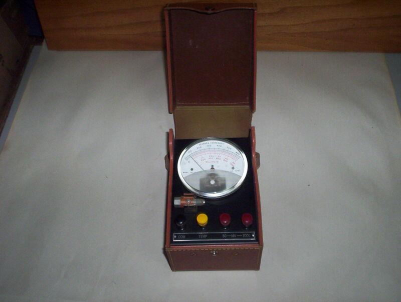 Vintage Robertshaw-Fulton Test Instrument Model 32-JP-4-MV Tester Unit