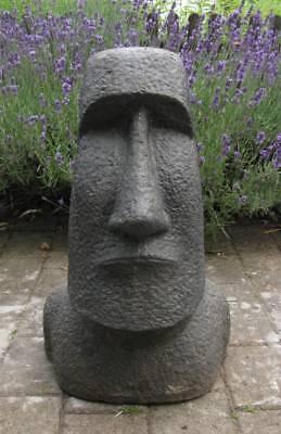Maoi Skulptur Osterinsel drei Moai Köpfe Brunnenstein