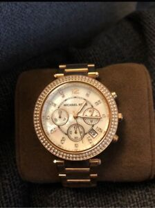 MUST GO - Michael Kors Rose Gold Watch