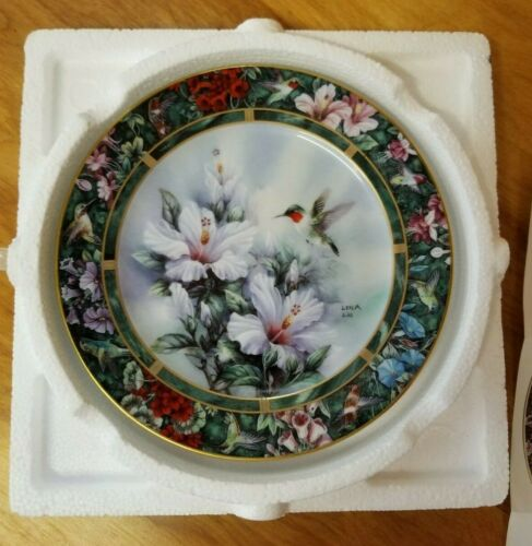 "Lena Liu Hummingbird Plate Treasury ""The Ruby-Throated Hummingbird"""