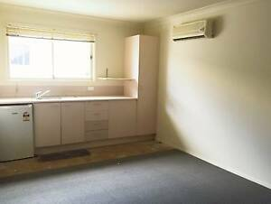 One bedroom unit available now! Convenience location Kingston Logan Area Preview