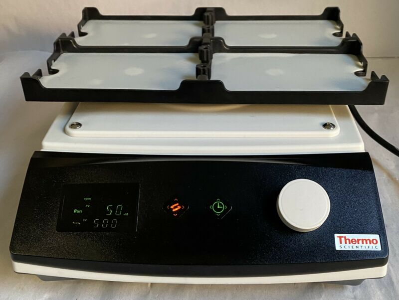 Thermo Scientific 88880023 Compact Digital MicroPlate Shaker 1200RPM 4 Plate