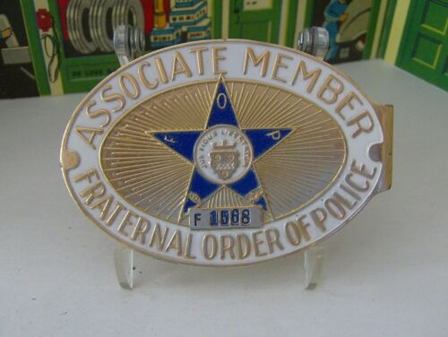 FRATERNAL ORDER OF POLICE VINTAGE ASSOCIATE MEMBER  METAL LICENSE PLATE TOPPER