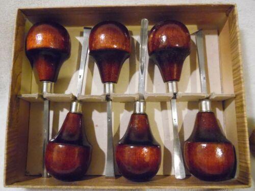 Vintage L C 107 wood carving palm set of 6