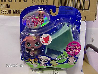 (Littlest Pet Shop Special Edition Pet ~ Fuzzy Beaver # 810 New in Box )